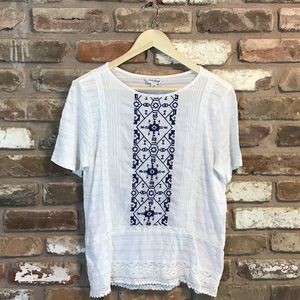Lucky Brand Embroidered Shirt Top White Navy EUC
